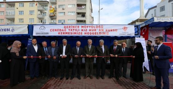 DERİNCE'DE ÖĞRENCİLER YARARINA KERMES DÜZENLENDİ