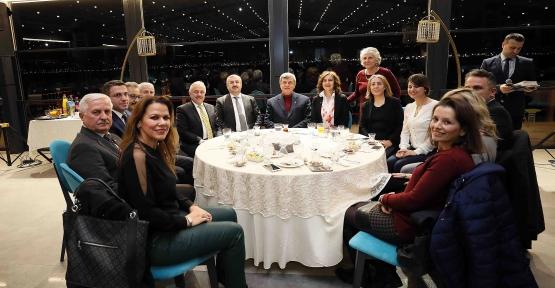 KARAOSMANOĞLU '' CUMHURİYETİMİZ GENÇLERİMİZ ELLERİNDE YÜKSELECEK ''
