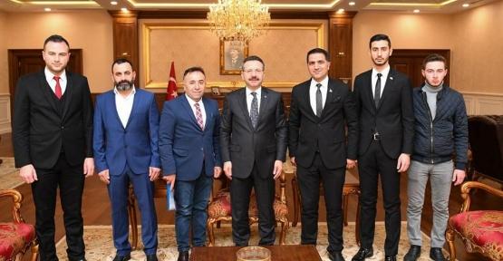 KOCAELİ KARSLILAR DERNEĞİ  VALİ AKSOY'U ZİYARET ETTİ