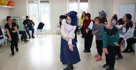 EYDEM AİLESİ GÖSTERİYE HAZIRLANIYOR