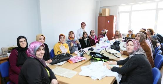 KUSACHİ DER-MEK'TE MEFRUŞAT KURSU
