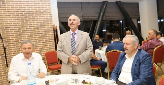 DERİNCE'DE OKUL MÜDÜRLERİ İFTARDA BULUŞTU