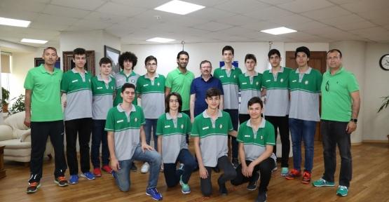 İlhan Bayram Genç Şampiyonları Ağırladı