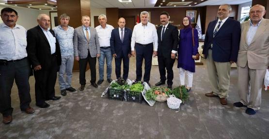 Başkan Karaosmanoğlu, ''Tarım desteklerimiz Türkiye'ye örnektir''