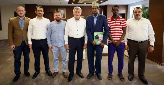 """Karaosmanoğlu,  """"Türkiye, Somali'ye Dost Elini Uzatmıştır"""""""