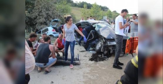 Kocaeli'de Trafik Kazası! 1 Ölü, 15 Yaralı...