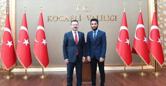 Derincespor Kulübü Antrenörü Kından, Kocaeli Valisini Ziyaret Etti