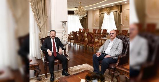 Diyarbakır Çevre Ve Şehircilik İl Müdürü Valimizi Ziyaret Etti