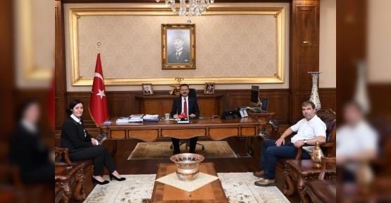 Körfez Mimar Sinan Mahallesi Muhtarı, Kocaeli Valisini Ziyaret Etti