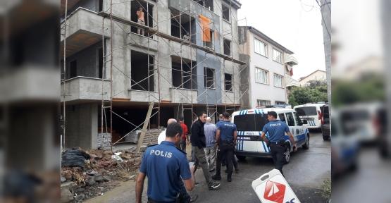 İNŞAATÇILARLA MAHALLE SAKİNLERİNİ POLİS AYIRDI..!