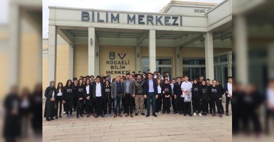 Fen Lisesi Öğrencileri  Bilim Müzesinde