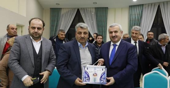 Başkan Baran : AK Partiliyim diyorsak,  bizlere durmak yakışmaz