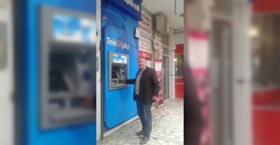 ATM'DE UNUTULAN PARAYI BANKAYA TESLİM ETTİ