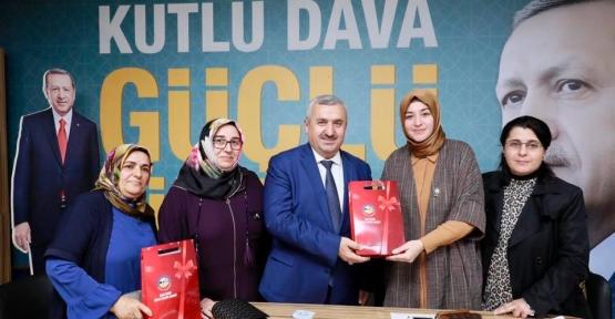 """Başkan Baran; """"AK Parti'nin Başarısında  Sizlerin Emeği Büyük"""""""