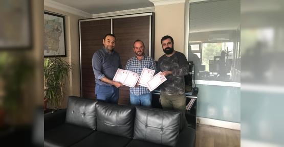 Bekiroğlu Proje Tapuları Teslim Etti