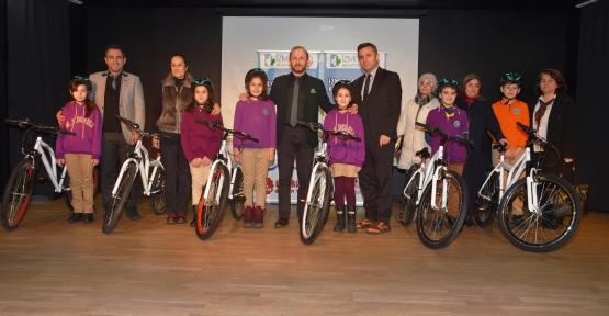 145 Öğrenciye Daha Bisiklet