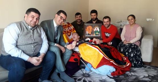 Galatasaray Hediyeleri İle Yüzü Güldü