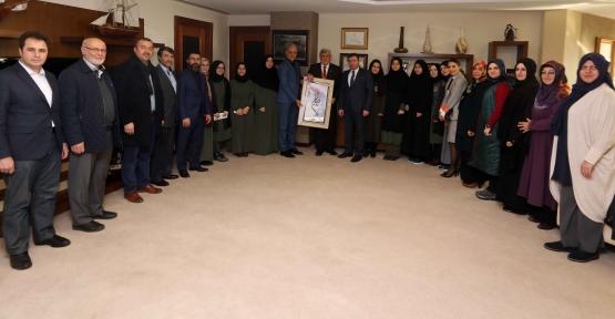 Başkan Karaosmanoğlu; ''Gençler İçin Gece Gündüz Demeden Çalıştık''