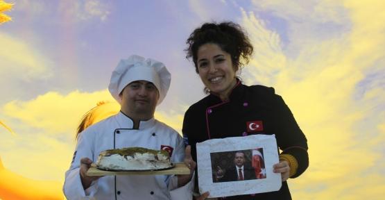 Down Sendromlu Mücahit'ten Erdoğan'a Doğum Günü Pastası