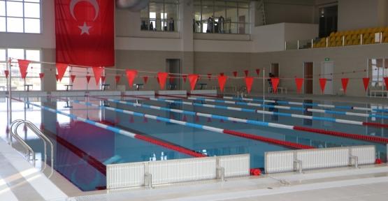 Karamürsel Yarı Olimpik Yüzme Havuzu Hizmete Giriyor