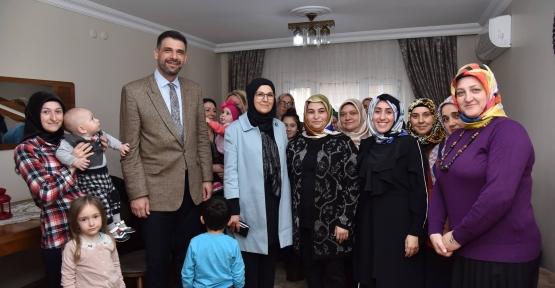 Katırcıoğlu, Kartepeli kadınlarla buluştu
