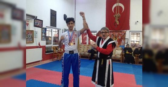 Kick Boks Open Türkiye Şampiyonasından Üçüncülük Madalyası