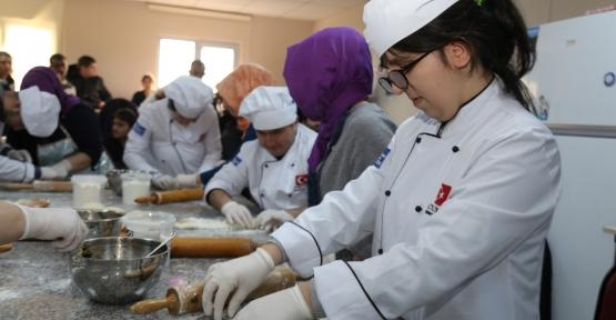 Özel Öğrenciler KO-MEK Mutfağında