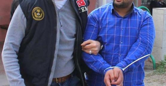 Terör Örgütünü Övmekten  Tutuklandı