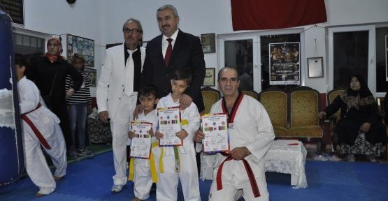 Uzak Doğu Spor Salonunda  Taekwondo Kuşak  Sınavı Yaptı