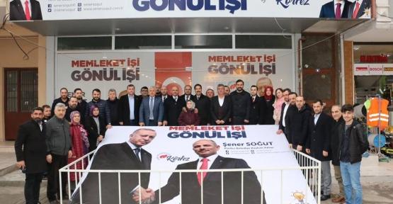 AK Partililer Güney Mahallesi Esnafıyla Kucaklaştı