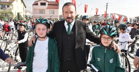 Bisiklet Coşkusu Yeşilova'da Devam Etti
