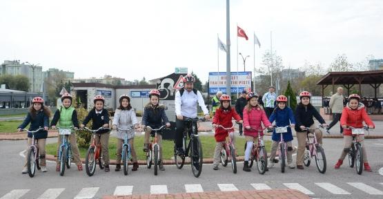 İzmit'te60 Bin Öğrenciye Bisiklet Eğitimi Verildi