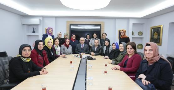 """Başkan Aygün; """"Başarının Mimarı Kadınlarımızdır"""""""