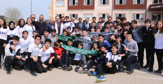 KOTO Lisesindeki LÖSEV Kermesine Kocaelisporlu Futbolcularda Katıldı
