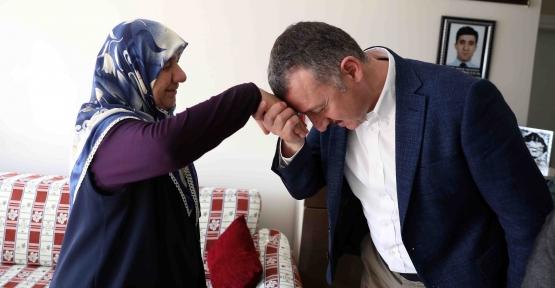 """Başkan Büyükakın;""""Anneler Şefkatin, Merhametin  ve Fedakârlığın Sembolüdür"""""""