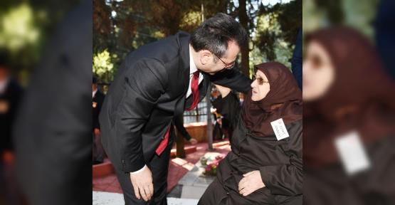 """Vali Aksoy;""""Annelerimiz Başımızın Tacıdır"""""""