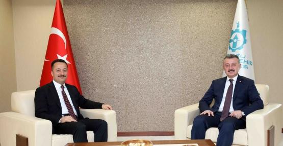 Başkan Büyükakın, Vali Şentürk'ü ağırladı