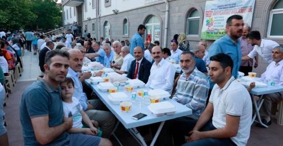 Mimar Sinan'da 'gönül sofrası' kuruldu