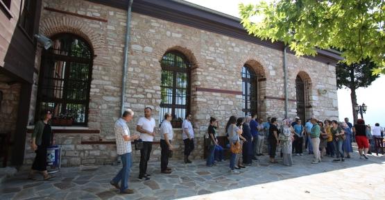 687 yıldır ayakta duran 'Tarihi Orhan Cami