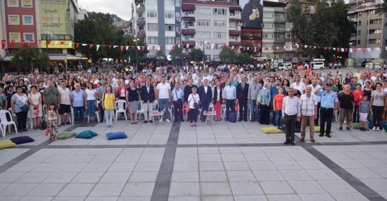 İzmit Belediyesi'nin 30 Ağustos Zafer Bayramı Etkinliklerinin İlk Günü Dolu Dolu Geçti