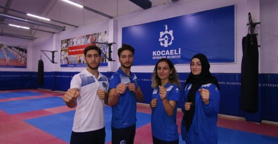 Karateciler, 'Dünya Şampiyonası' Yolcusu