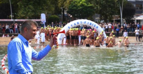 Yüzme Şampiyonası Çok Büyük İlgi Gördü