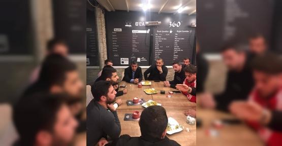Başkan Turan, Kafe Sahipleriyle Bir Araya Geldi