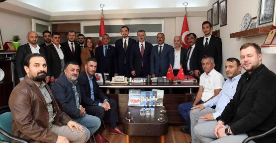 Büyükakın, MHP İlçe Teşkilatını Ziyaret Etti