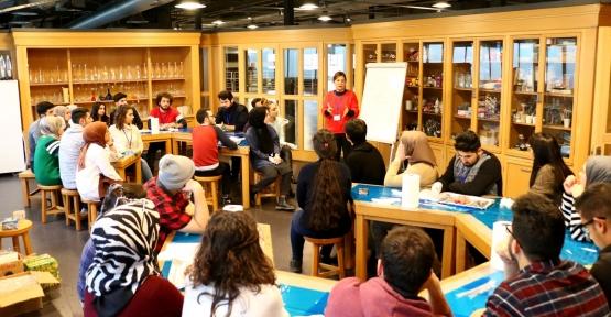 Öğretmen Adaylarına 'Bilim Merkezi Eğitimi'