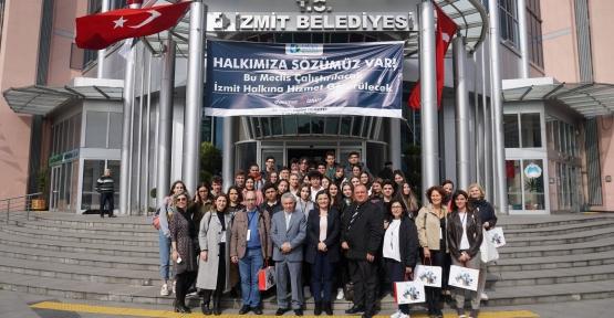 Başkan Hürriyet Erasmuslu Öğrencileri Ağırladı