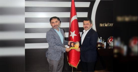 Mustafa Eranıl, 7 Bin Kitap Desteğinde Bulundu