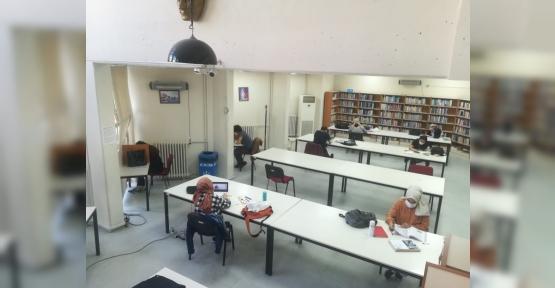 Yeni Normalin İlk Haftası Kütüphanelere İlgi Yoğundu