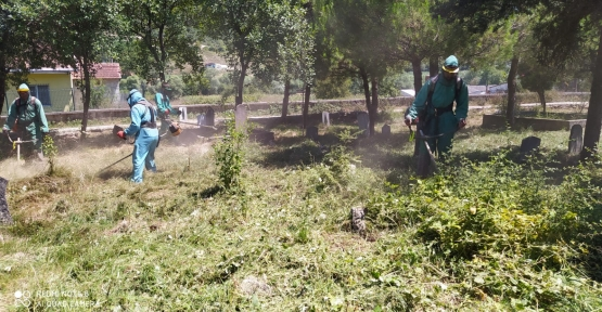 İzmit Belediyesi Mezarlıkları Bayrama Hazırlıyor