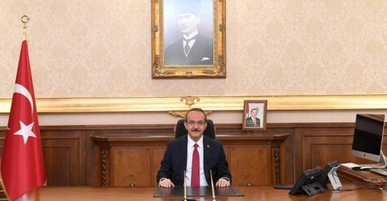 Vali Seddar Yavuz Kocaelispor'u Kutladı
